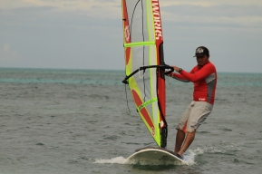 belize-windsurf_h